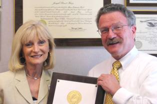 Attorney Joseph Karp recives Red Cross award